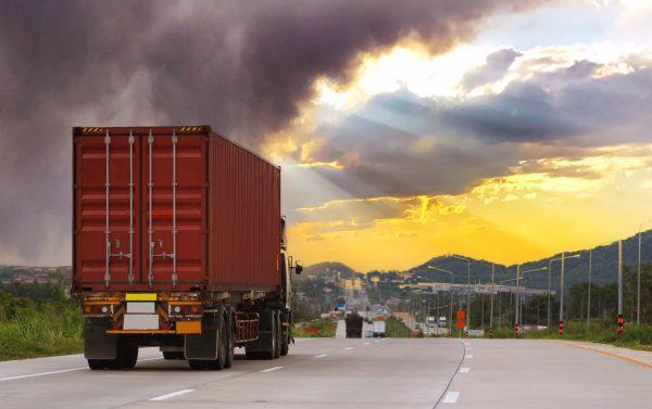 Une grève de camions au Bangladesh met le port de Chittagong à l'arrêt